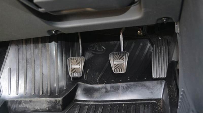Провалы при нажатии педаль газа инжектор