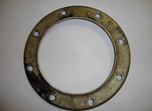 Прижимное кольцо топливного насоса