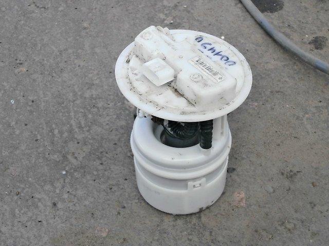 Топливный насос автомобиля Рено