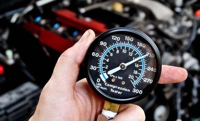 Почему снижается компрессия двигателя